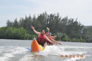 体验水上活动的刺激