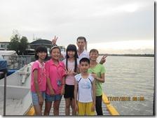 与华人家庭一起生活