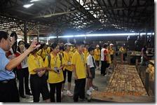参观制板厂与马来西亚华人教育企业家零距离接触