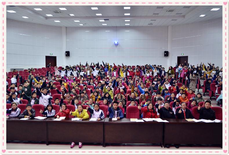 TLKJL-SDWHD8Z141216山东威海第八中学师生《活出生命中的色彩》-3